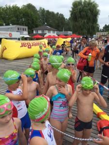 Cross Kids Cup Schwimmer Badehauben grün